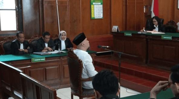 Sidang Ahmad Dhani di PN Surabaya.