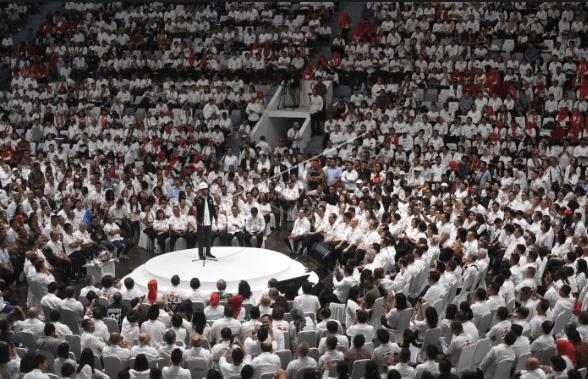 Calon Presiden no urut 01 Joko Widodo berpidato saat menghadiri Deklarasi pengusaha pekerja pro Jokowi (Kerjo) di Istora Senayan, Jakarta, Kamis (21/3/2019).