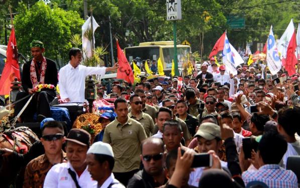Jokowi saat kampanye di Banten.