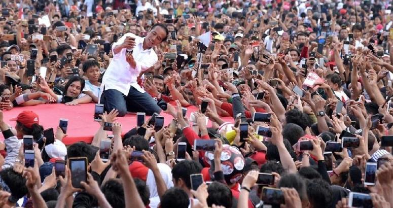Jokowi saat kampanye di Dumai.