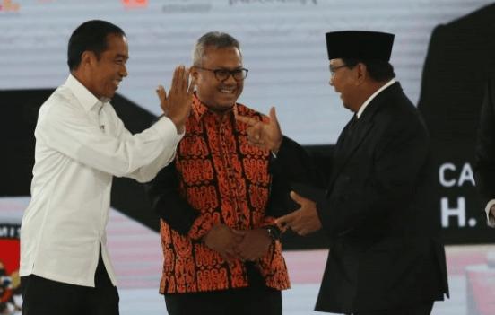 Jokowi-Prabowo usai debat Cawapres.