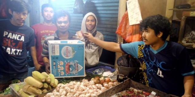 Para pedagang dukung Jokowi-Maruf. (foto:istimewa)