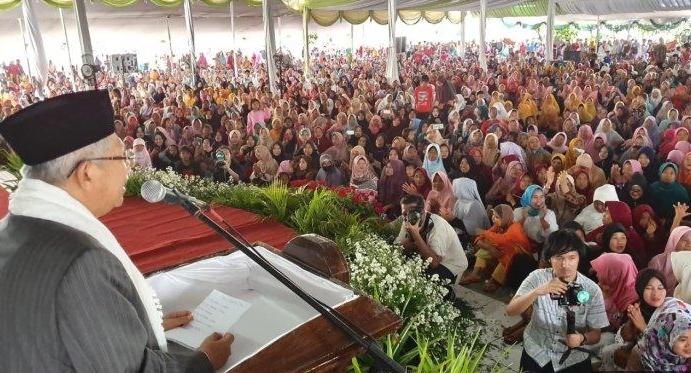 calon wakil presiden 01 Ma'ruf Amin di Pondok Pesantren An-Nawawi Tanara, Serang, Banten, Minggu (24/3/2019).