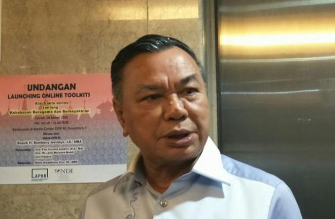 Anggota Majelis Tinggi Partai Persatuan Pembangunan (PPP) Hasrul Azwar di Kompleks Parlemen Senayan, Jakarta, Jumat (15/3/2019).