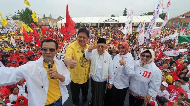 KH Ma'ruf Amin dan Airlangga Hartarto saat kampanye di Bogor.