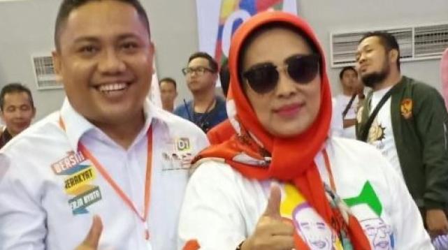 Cik Naya menghadiri kampanye akbar Jokowi-Maaruf Amin di PSCC Palembang, Selasa (2/4).