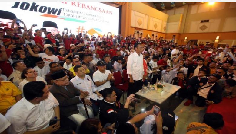 Ketua Umum Partai Perindo, Hary Tanoesoedibjo, mendampingi Jokowi kampanye di Depok, Jawa Barat, Kamis (11/4/2019). (Foto: Istimewa)