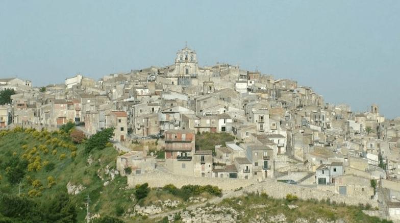 Pemandangan Kota Mussomeli, Italia (Foto: Business Insider).