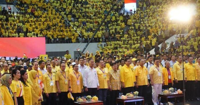 JK menghadiri kampanye akbar Partai Golkar di Istora Senayan.