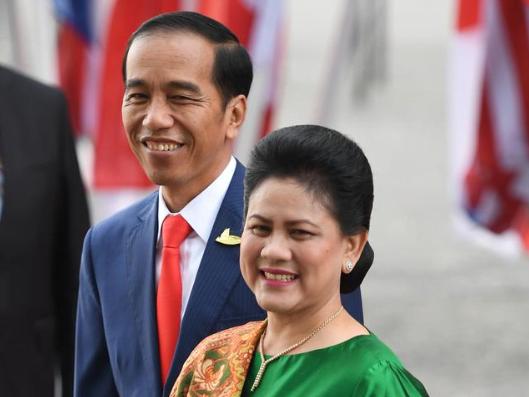 Jokowi dan Ibu Iriana.