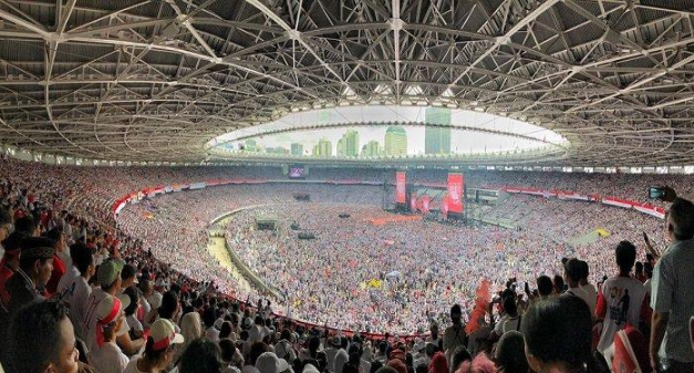 Massa yang hadiri kampanye akbar Jokowi-Ma'ruf di SGUBK, Sabtu (13/4/2019)