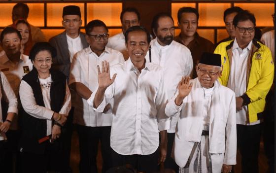 Joko Widodo (kiri depan) dan KH Ma'ruf Amin (kanan depan) didampingi sejumlah pimpinan Parpol pendukung.