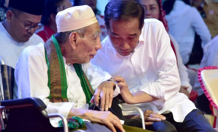 Jokowi dan K.H. Maimoen Zubair.