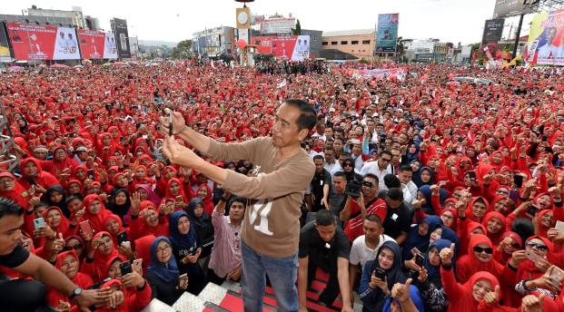Jokowi saat kampanye.