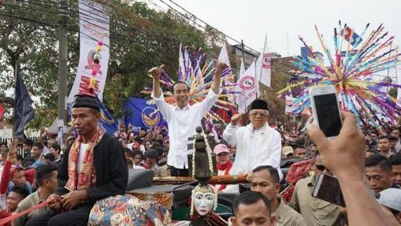 Jokowi-Ma'ruf Amin saat kampanye di Tangerang.