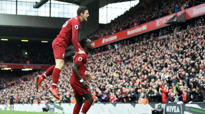 Sadio Mane mencetak gol pertama dari dua yang dibuat Liverpool ke gawang Chelsea (Michael Regan/Getty Images).