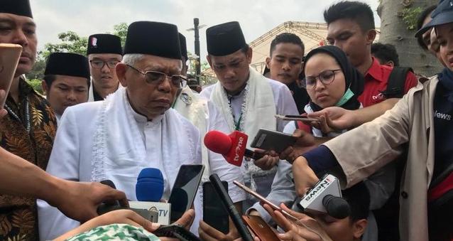 KH Ma;ruf Amin saat jawab pertanyaan wartawan.