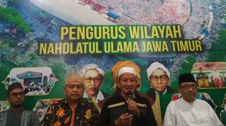 Wakil Rais Syuriyah PWNU Jawa Timur KH Agoes Ali Masyhuri mengajak waega NU untuk menyuarakan hak politiknya pada Pemilu 2019 di Kantor PWNU Jatim, Senin (15/4/2019).