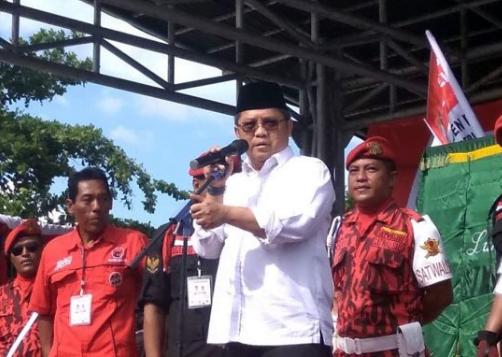 Rudiantara jadi jurkam kampanye Pro Jokowi, di Alun-alun Wates, Kabupaten Kulon Progo.