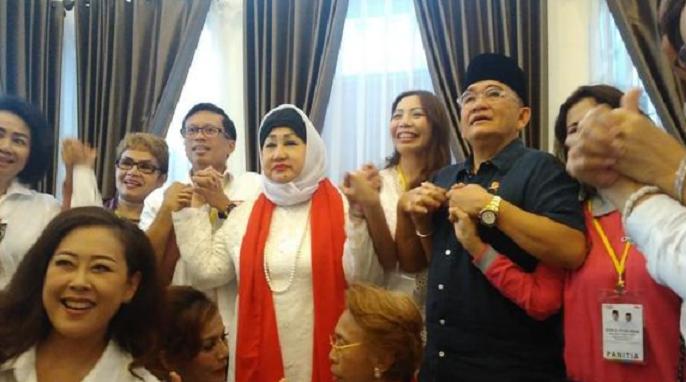 Ruhut Sitompul dan Relawan Jokowi Syukuran di Rumah Aspirasi.