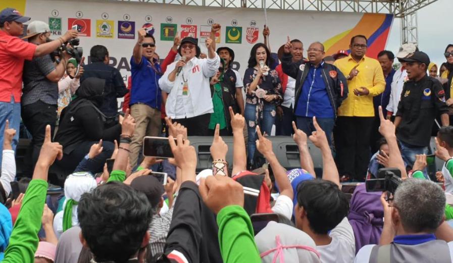 Siti Nurbaya Bakar saat kampanye di Kaltim.