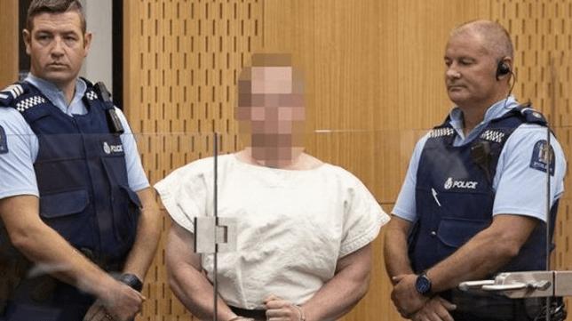 Brenton Tarrant, pelaku penembakan masjid di Selandia Baru saat dihadirkan di pengadilan. (Foto: NZME / via Radio New Zealand).