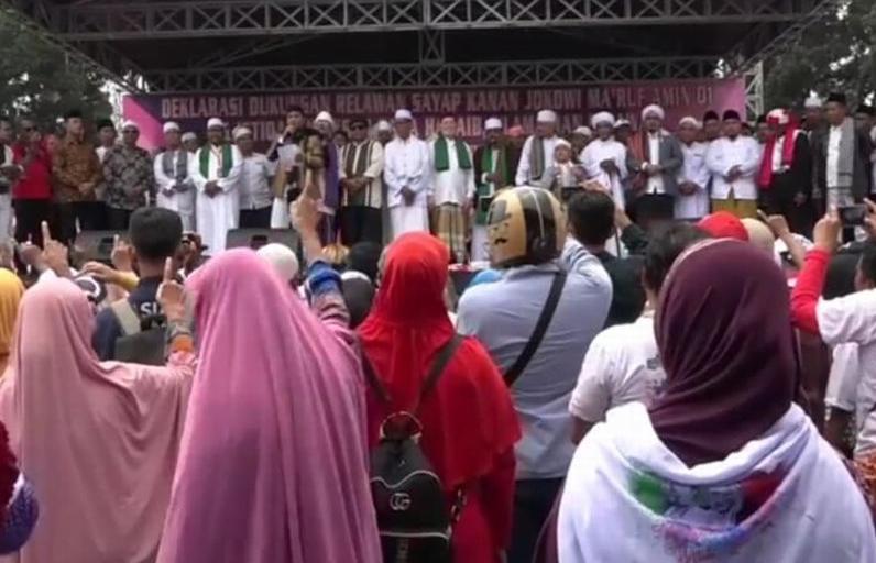 Ulama dan Habib saat deklarasi dukung Jokowi-Ma'ruf di Condet, Jakarta Timur.