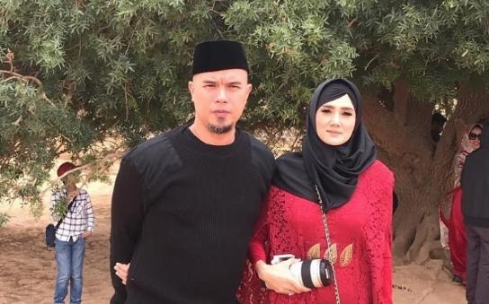 Ahmad Dhani dan Mulan Jameela.