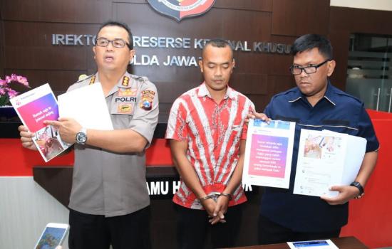 Guru honorer asal Madura sipengancam Jokowi saat di rilis Polda Jatim.