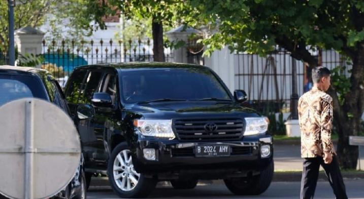 Mobil yang dipakai AHY saat temui Jokowi ke Istana negara.
