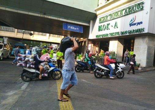 Situasi Pasar Tanah Abang usai dilanda kerusuhan buntut aksi 22 Mei 2019.