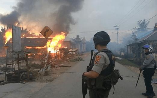 Rumah yang di bakar dalam kerusuhan Buton.