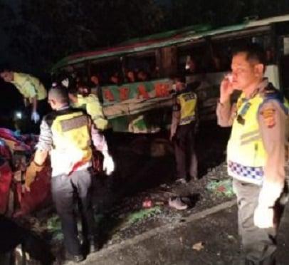 Kecelakaan beruntun di Tol Cipali tewaskan 12 orang (Dok. Istimewa)