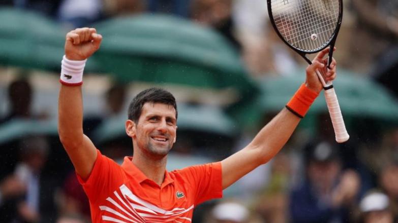 Petenis Serbia Novak Djokovic melaju ke perempat final Prancis Terbuka 2019 setelah mengalahkan petenis Jerman Jan-Lennard Struff 6-3, 6-2, 6-2 di Roland Garros, Senin (3/6/2019) malam WIB. (Foto: Twitter @rolandgarros)