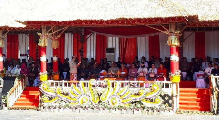 Jokowi hadiri Pesta Kesenian Bali.