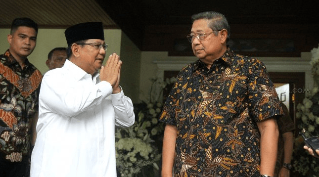 Prabowo Subianto saat kunjungi SBY di Cikeas.