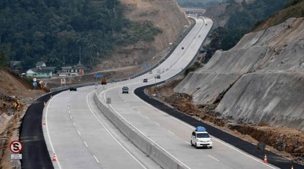 Jalan Tol Trans Jawa.