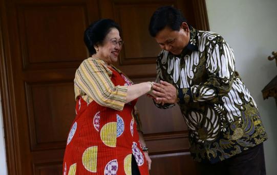 Ketua Umum PDI Perjuangan Megawati Sukarnoputri dan Ketua Umum Partai Gerindra Prabowo Subianto bertemu di Jalan Teuku Umar, Jakarta, Rabu, 25 Juli 2019.