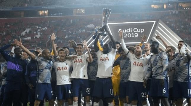 Para pemain Tottenham Hotspur merayakan menjadi juara Audi Cup 2019 setelah mengalahkan Bayern Munich di final. Christof STACHE / AFP