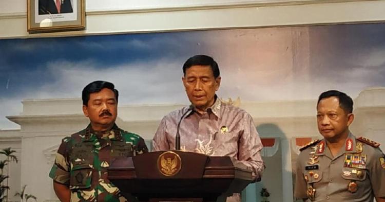 Jumpa pers Menko Polhukam Wiranto bersama Panglima TNI dan Kapolri seusai rapat terbatas membahas Papua.