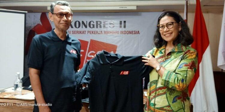 Saiful Busroni (Presiden FSPM Indonesia) dan Ibu Andriyani, Direktur Pengupahan Kemenaker