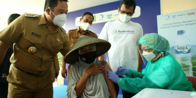 kalinya Danone Indonesia menggelar sentra vaksinasi yang diperuntukkan bagi kelompok rentan